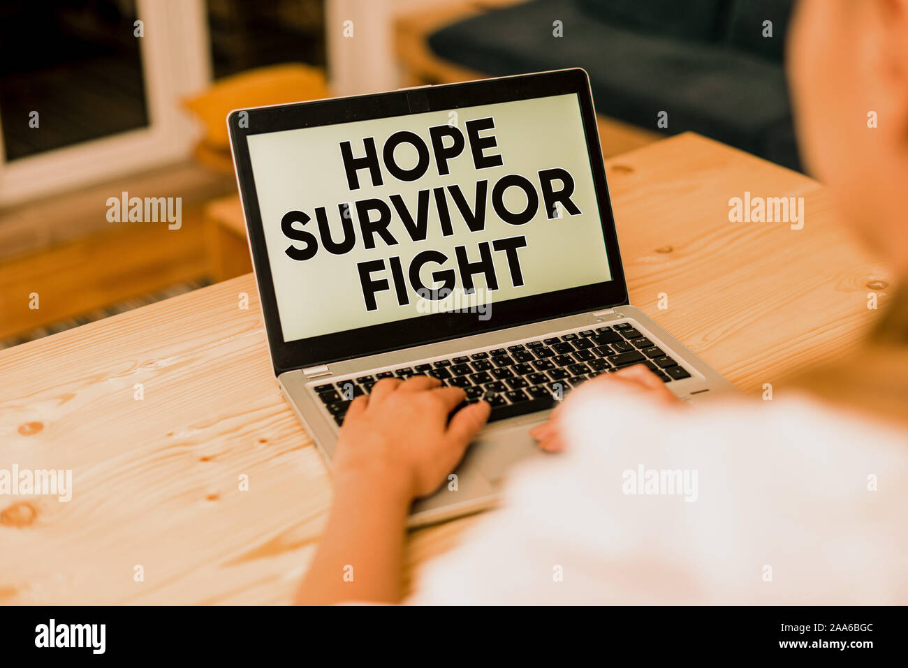 Signe texte montrant l'espoir survivant lutte. Texte photo entreprise position contre votre maladie être fighter stick à rêves femme smartphone ordinateur portable mug Banque D'Images