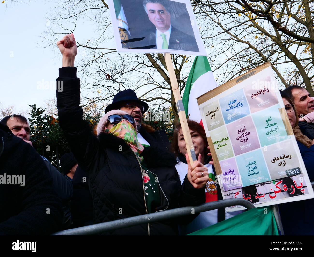 Londres, Royaume-Uni. 20 novembre, 2019. Les Iraniens de Londres de protestation devant l'ambassade d'Iran contre les abus allégués par le gouvernement de l'Iran, exigeant la démocratie et la liberté de la population kurde. Crédit: Joe Keurig / Alamy News Banque D'Images