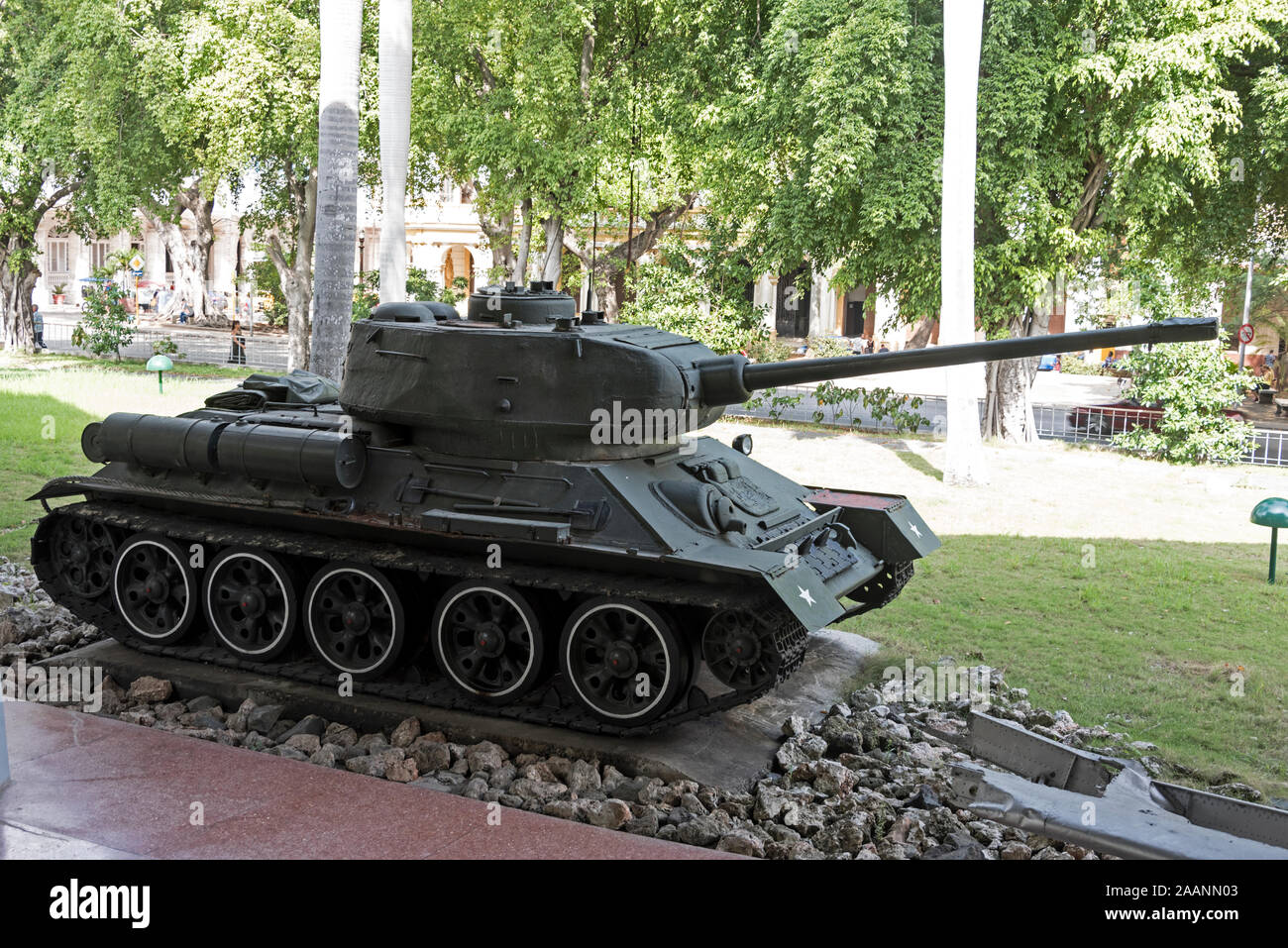 La Fédération construit réservoir T-34 a été utilisé par Fidel Castro au cours de la bataille de la Baie des Cochons à Cuba en 1961. Son réservoir endommagé les troupes américaines Banque D'Images