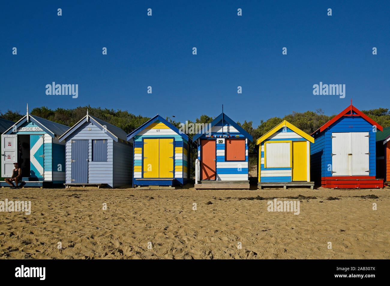 L'Australie, Victoria, Melbourne, 12 avril. 2019 - La plage de Brighton dispose de 82 zones de baignade colorés qui sont l'une des icônes touristiques de Melbourne. B Banque D'Images