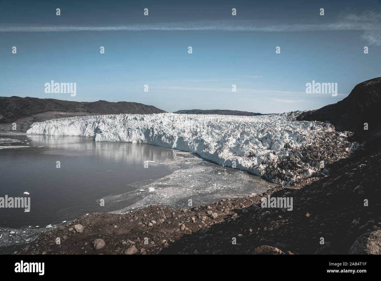 Le Groenland, Eqip Sermia, Eqi Glacier au Groenland La baie de Disko. Le matin, une excursion en bateau sur la mer arctique, de la baie de Baffin, le vêlage des glaciers. Des brise-glace Banque D'Images
