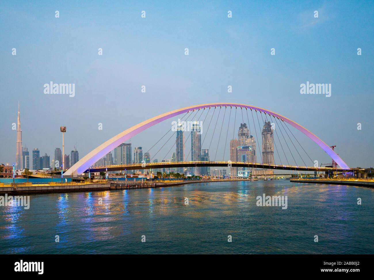 Voir de nouveau l'eau de Dubaï un canal d'eau qui se connecte dans la Crique de Dubaï et sur la mer. Émirats arabes unis, Émirats Arabes Unis Banque D'Images