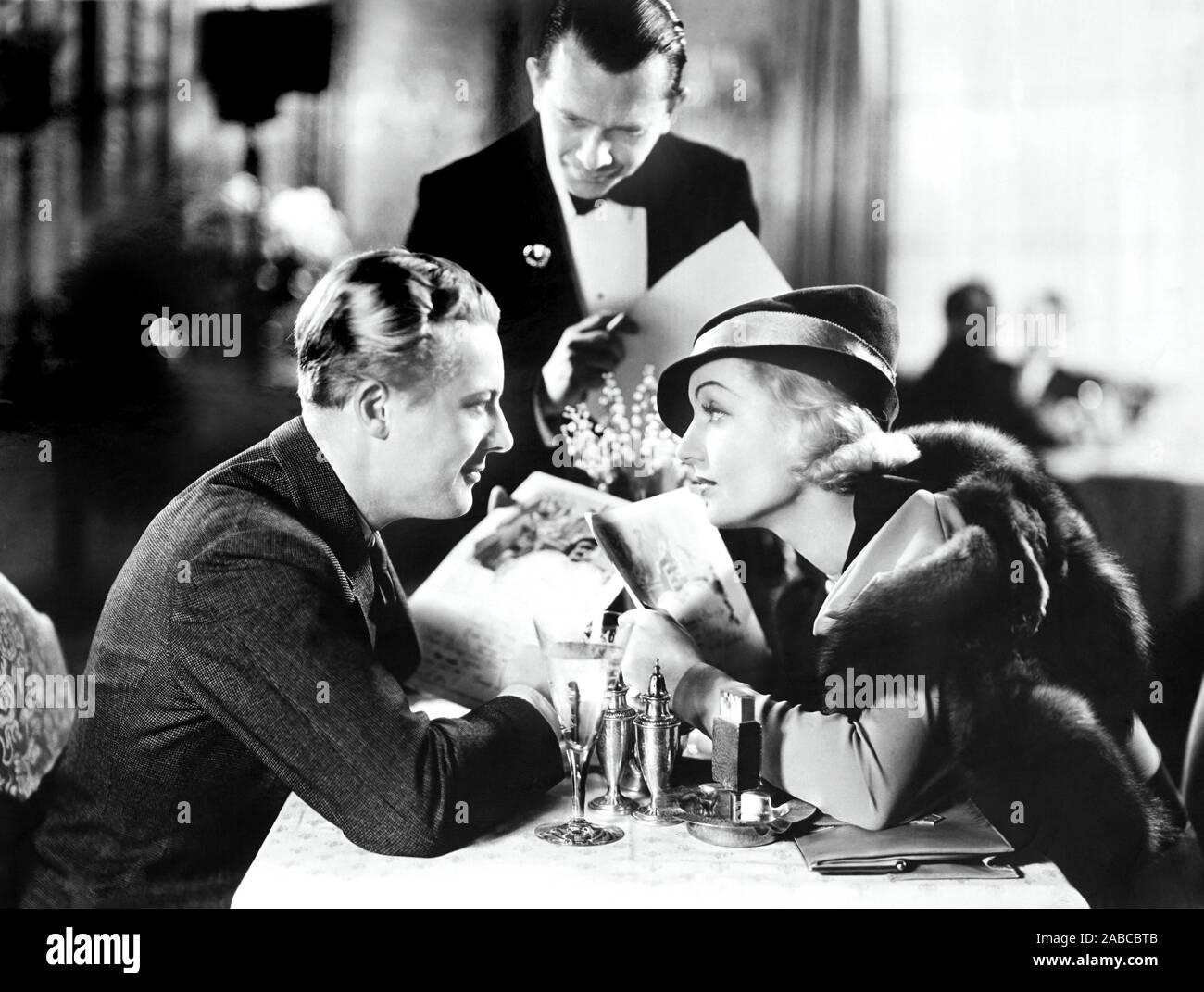 Bref moment, à partir de la gauche, l'avant, Gene Raymond, Carole Lombard, 1933 Banque D'Images
