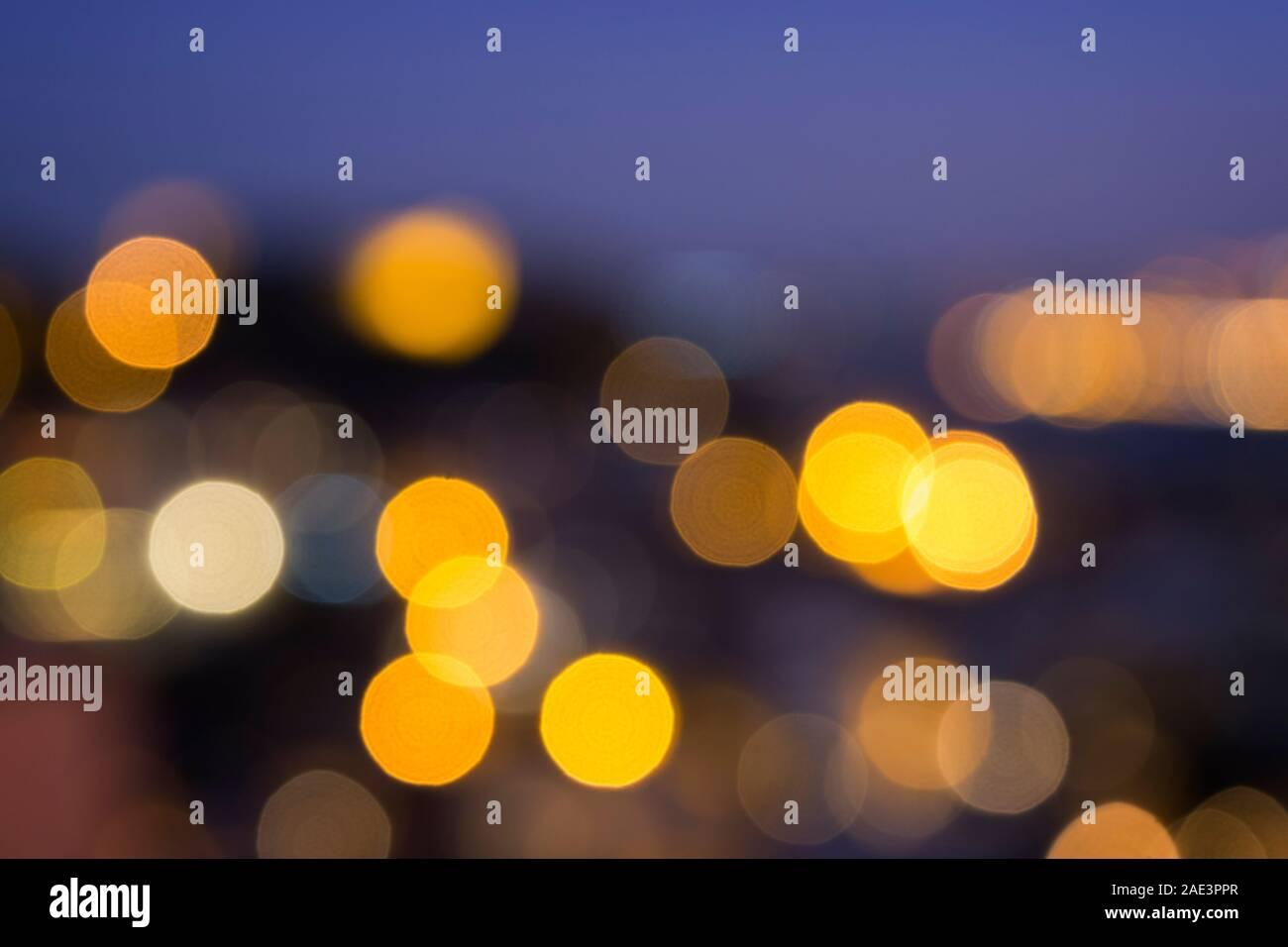 Bokeh flou city lights, résumé de scène de nuit. La haute résolution full frame background. Banque D'Images