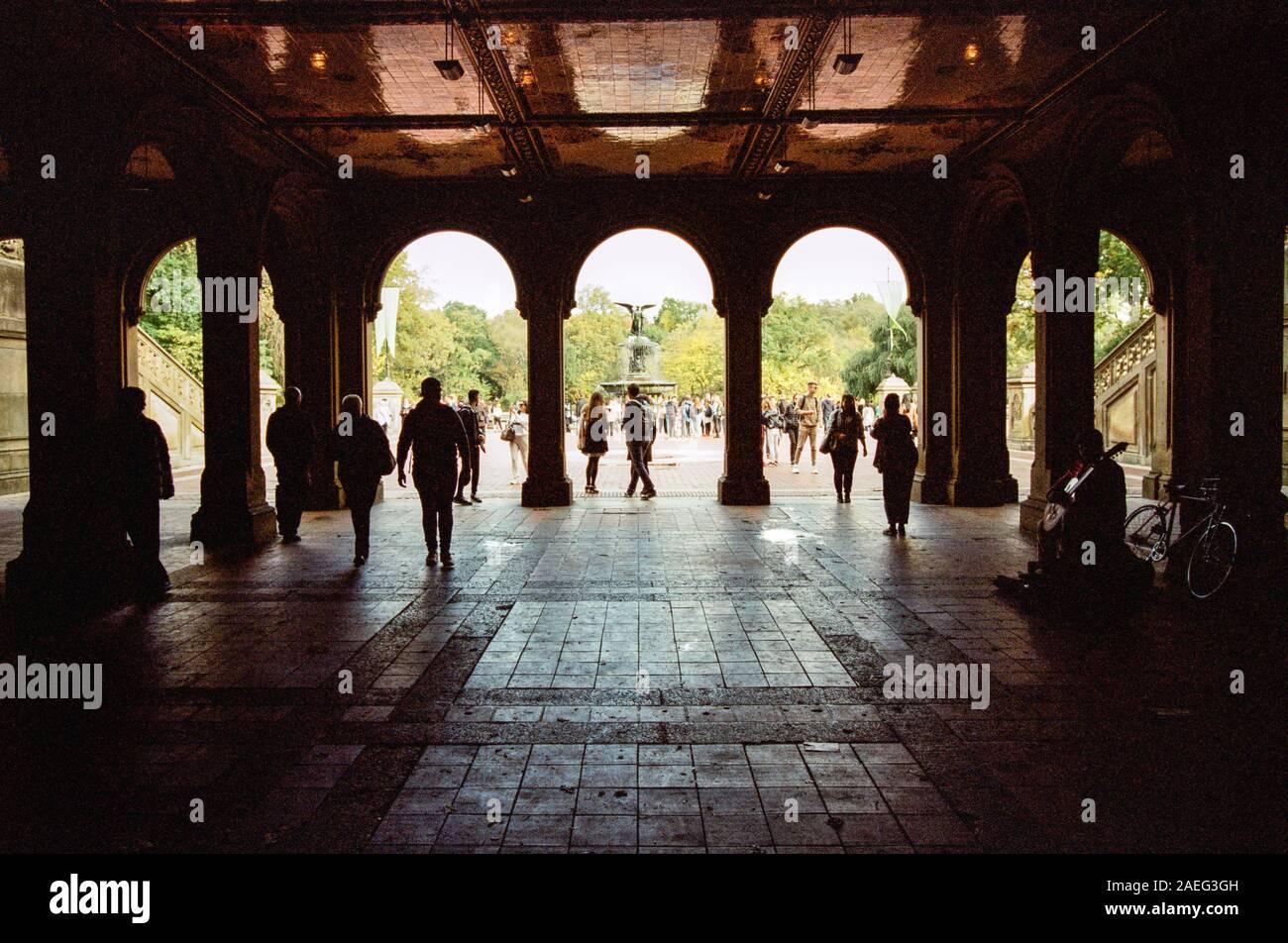 Le passage inférieur pour piétons à Bethesda Terrace, Central Park, New York City. Banque D'Images