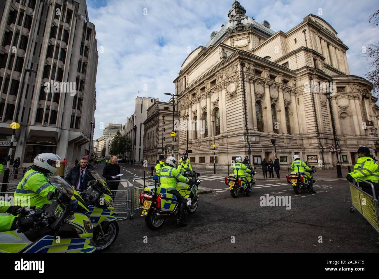 Les manifestants se rassembleront à Trafalgar Square 70e anniversaire de l'OTAN contre sommet et Président américain Donald Trump's visite à London, England, UK Banque D'Images