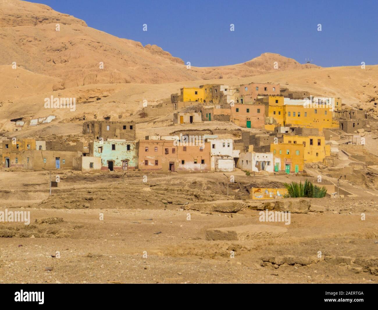 Vieux Village de Qurna à Louxor, Egypte Banque D'Images