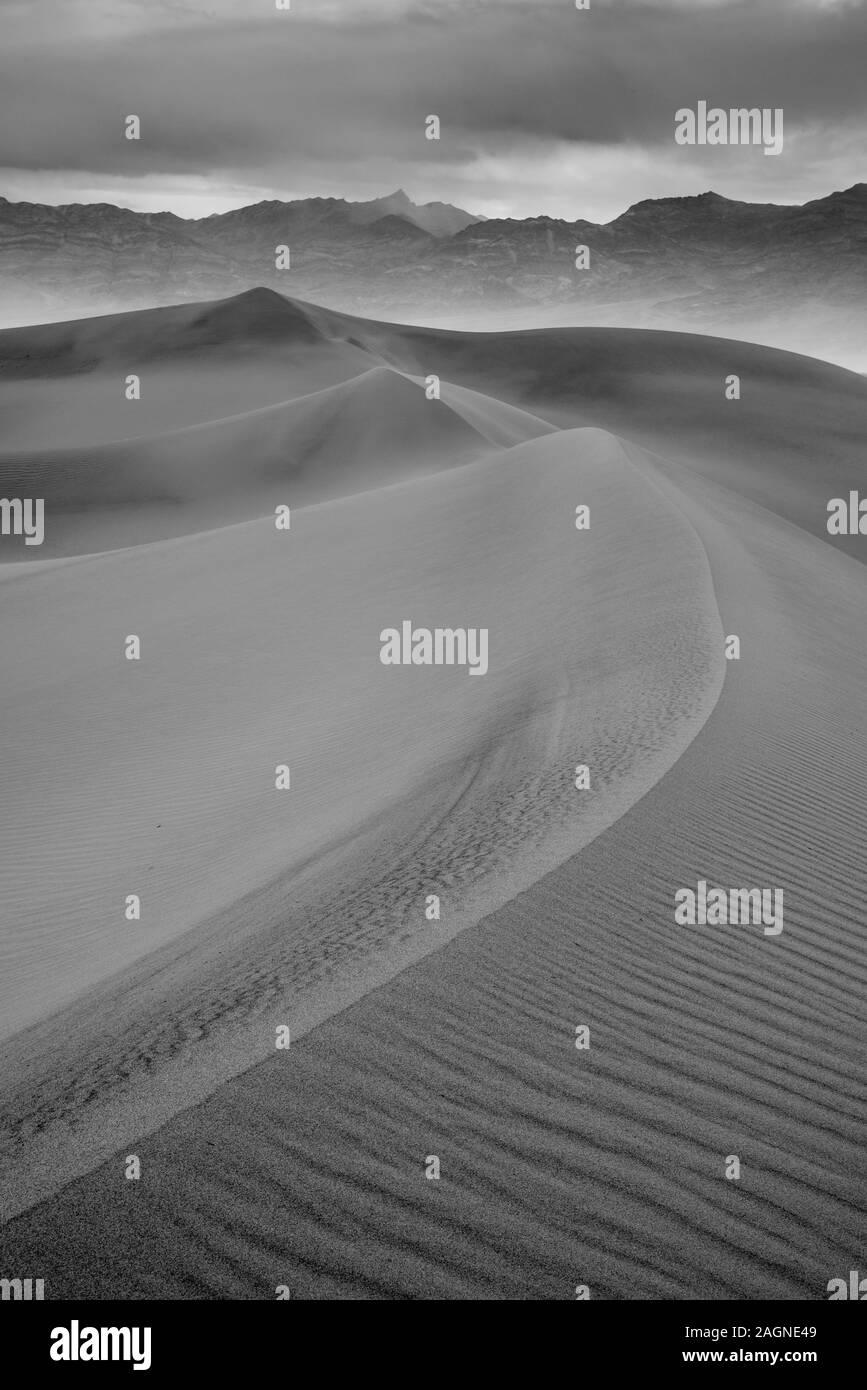 Mesquite Dunes, Death Valley National Park, en Californie. Banque D'Images