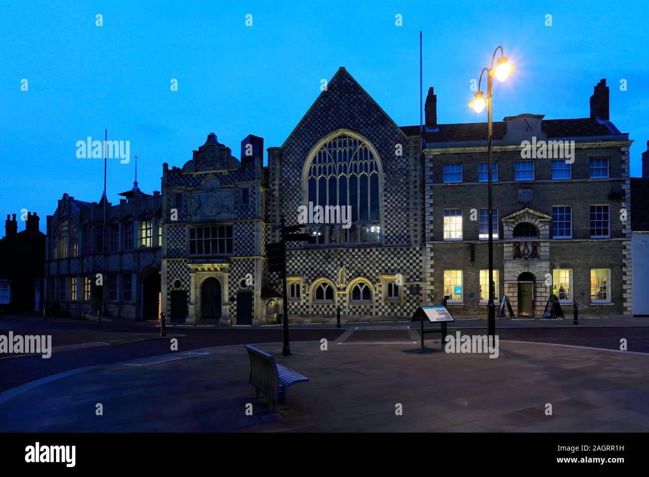 L'extérieur de l'hôtel de ville et la Trinity Guildhall, Kings Lynn, Norfolk, England, UK Banque D'Images