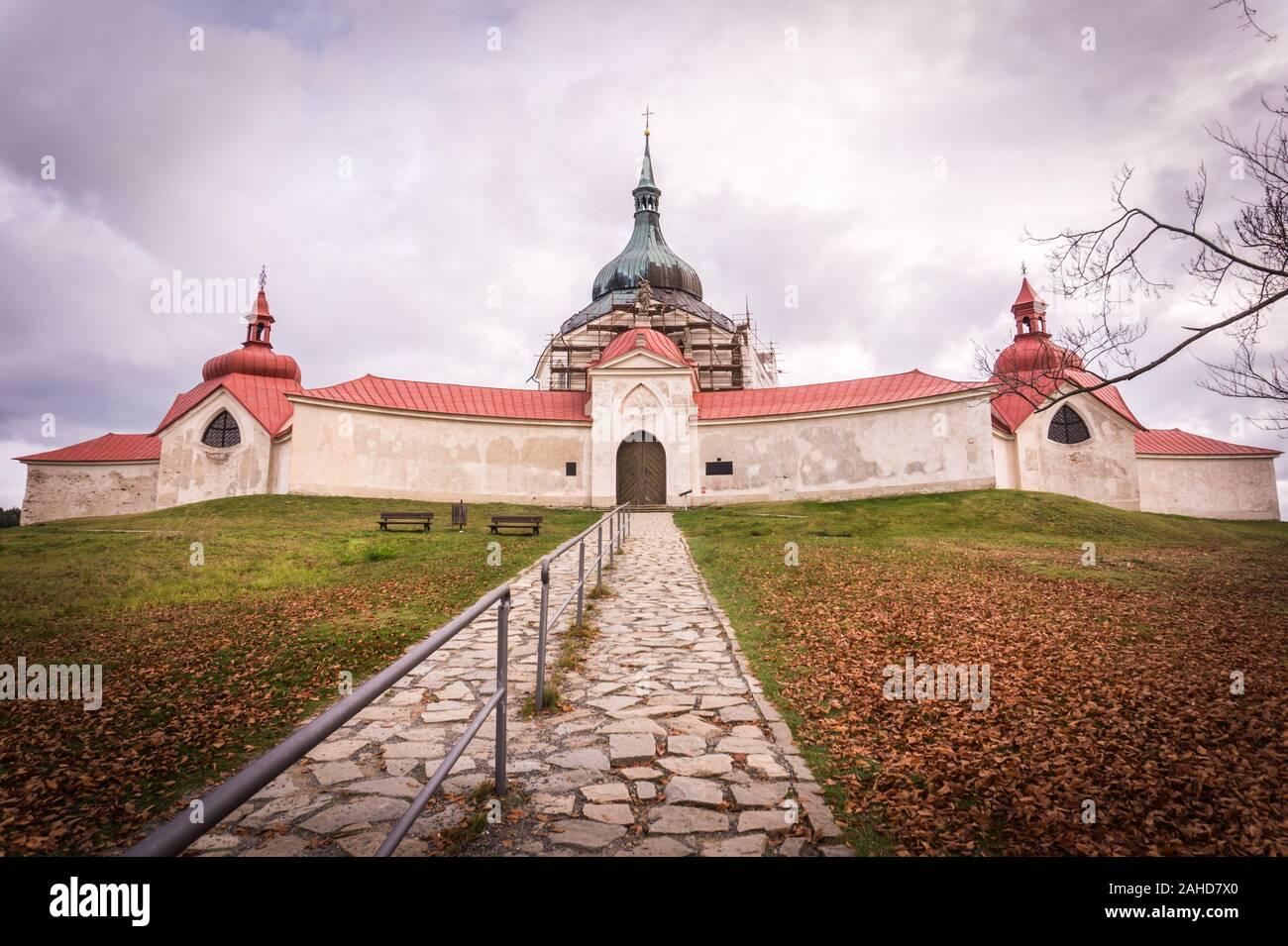 Église de Saint-Jean de Nepomuk sur Zelena Hora - monument de l'UNESCO. Il a été construit en style gothique et baroque a été conçu par l'architecte Jan Blazej Santini Banque D'Images