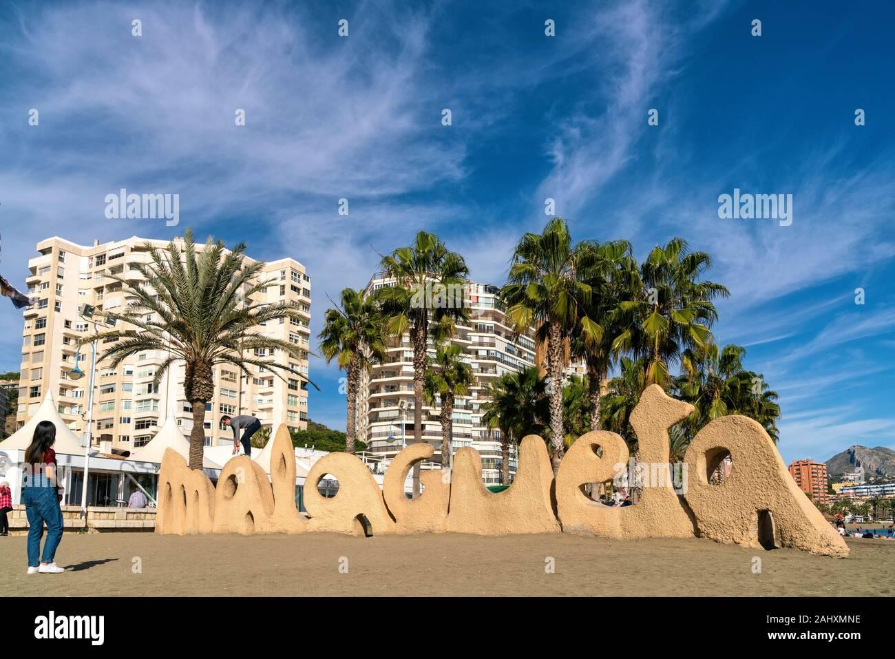 25 Décembre 2019 - Malaga, Espagne. La plage de Malagueta à Malaga situé dans la Costa del Sol, Espagne. Banque D'Images