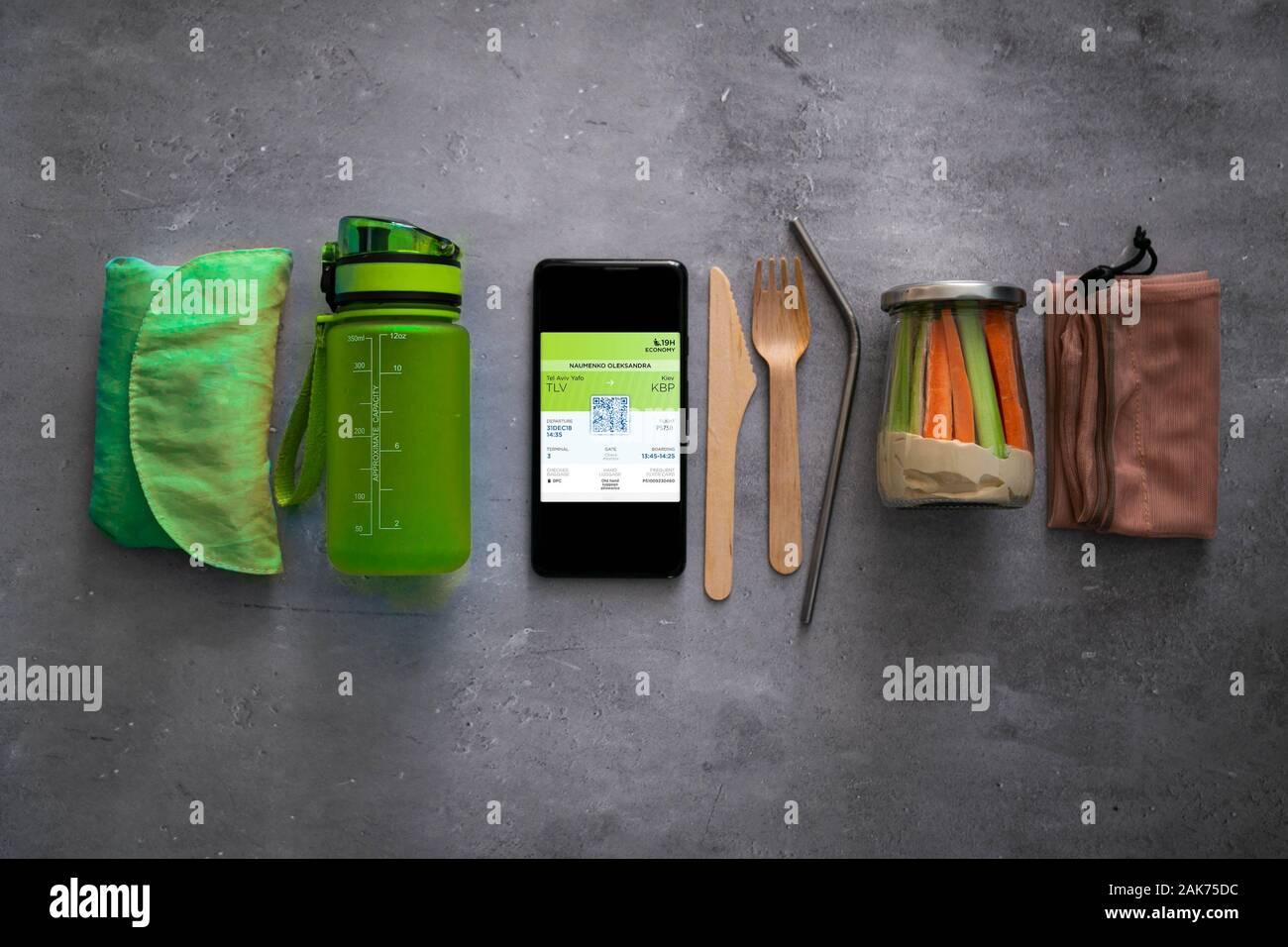 Zéro déchets travel concept - essentiel pour un minimum d'impact négatif lors d'un voyage Banque D'Images