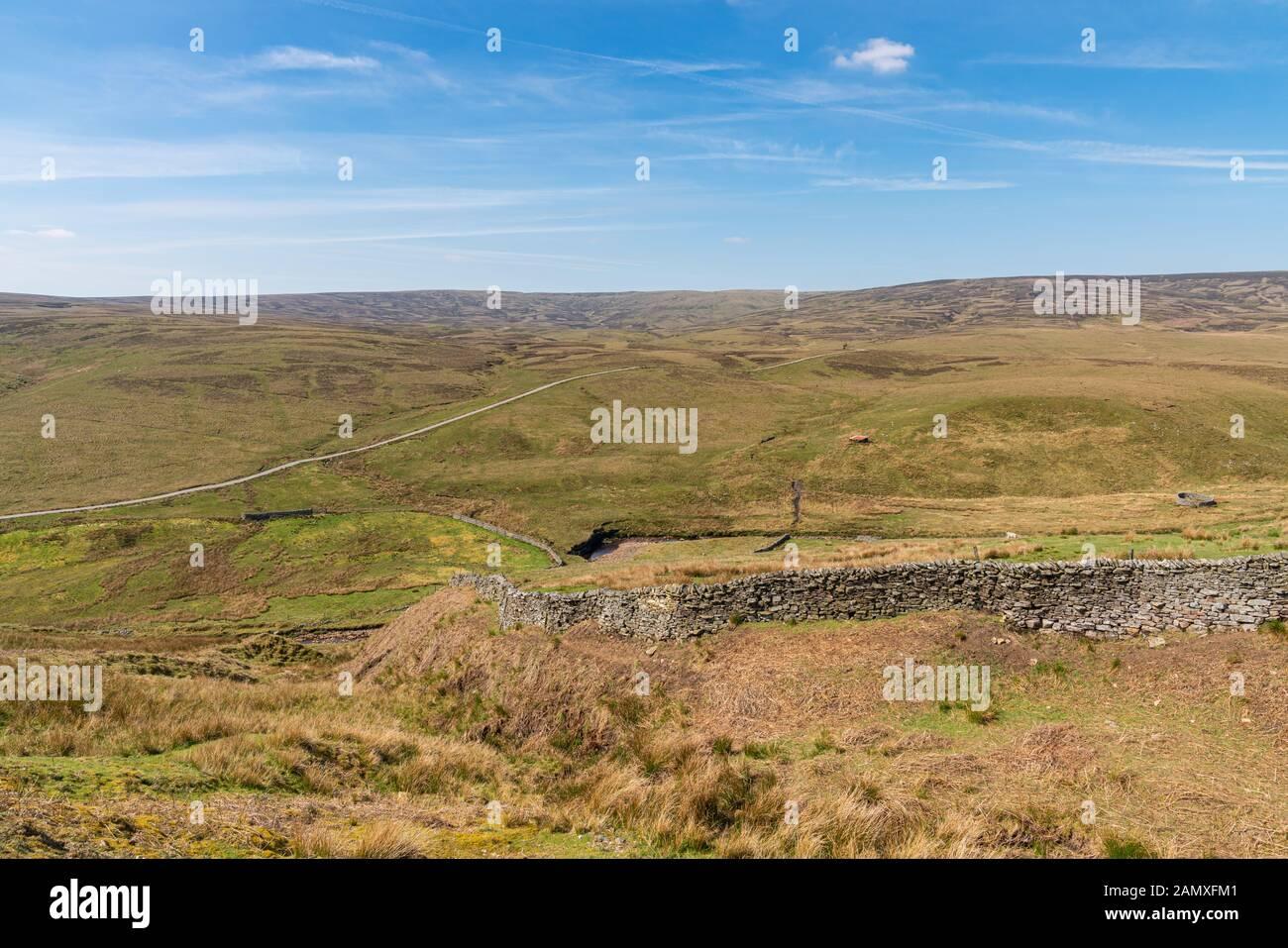 Vue sur les Yorkshire Dales paysage de la route B6270 entre Nateby et Birkdale, North Yorkshire, England, UK Banque D'Images