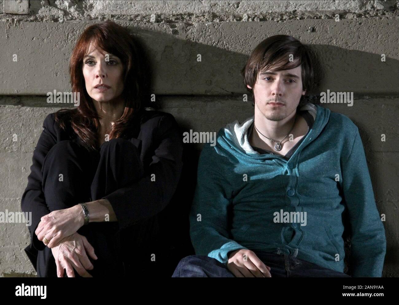 ALEXANDRA PAUL, Jake Thomas, trahi à 17, 2011 Banque D'Images