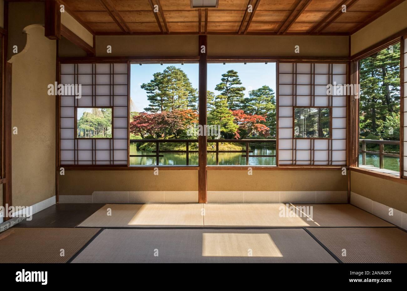 Intérieur du Tea House aux jardins Kenrokuen à Kanazawa, Japon Banque D'Images