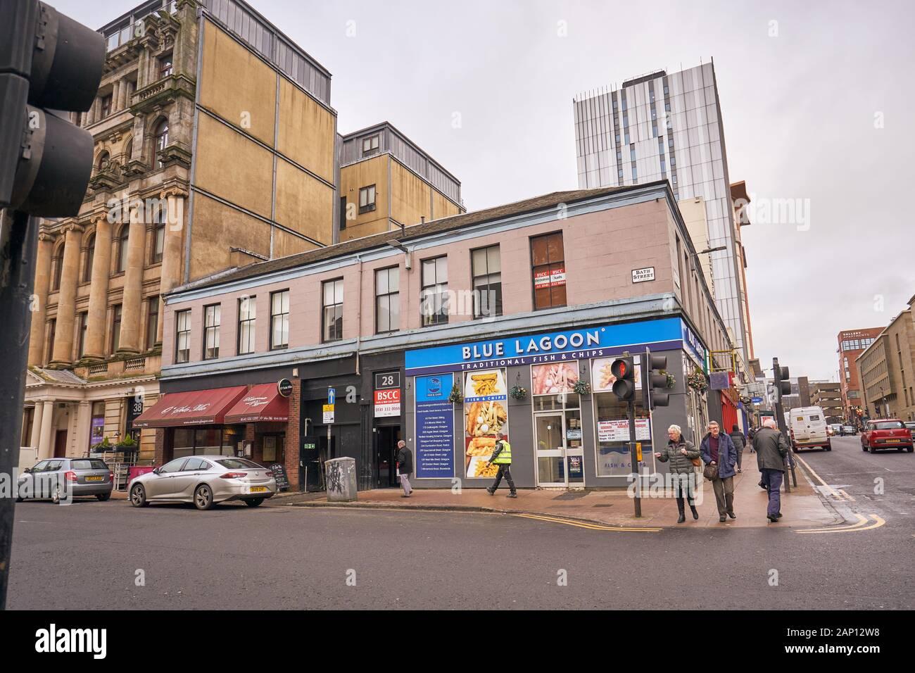 Le plus ancien restaurant italien de Glasgow, l'un des plus anciens pubs de la ville et la célèbre Chippy Blue Lagoon sont à proximité. Banque D'Images