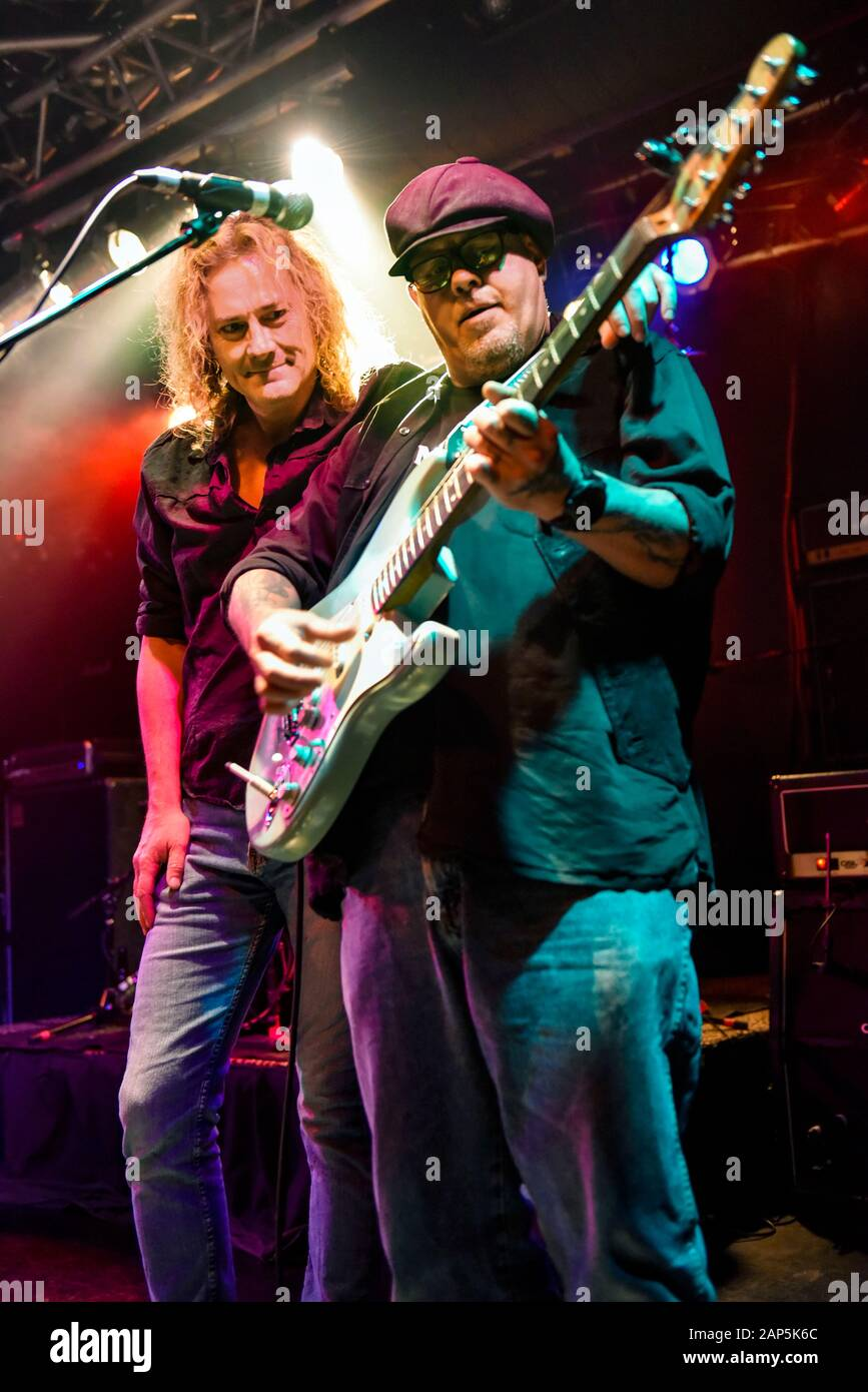 Las Vegas, le guitariste Chris Tofield, sur la scène à l'Vamped night club Banque D'Images
