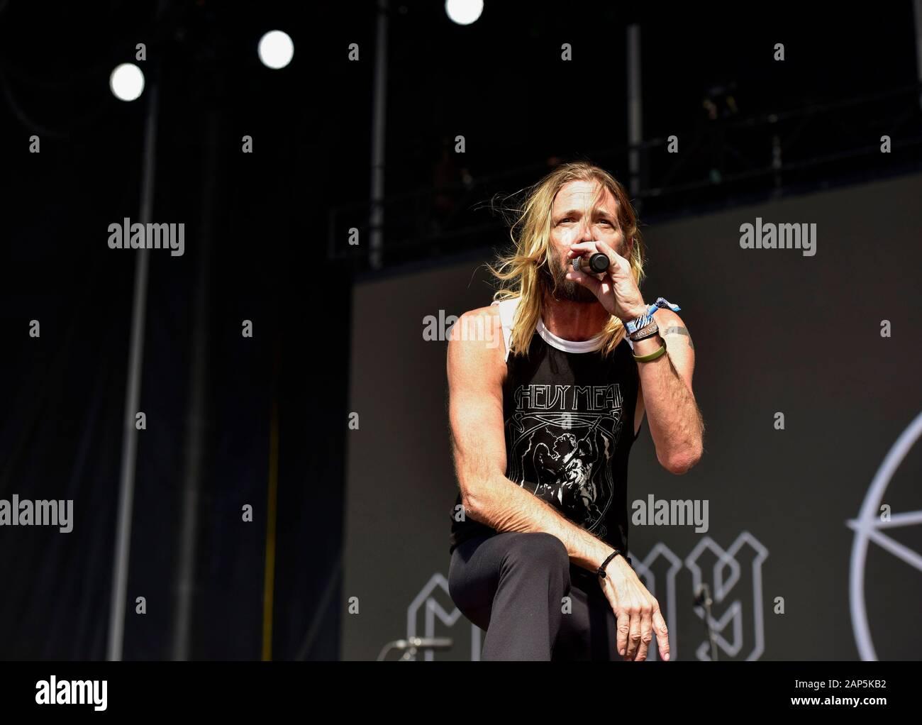 Taylor Hawkins sur scène avec son groupe Chevy métallique à l'Bottlerock Festival à Napa, en Californie. Banque D'Images