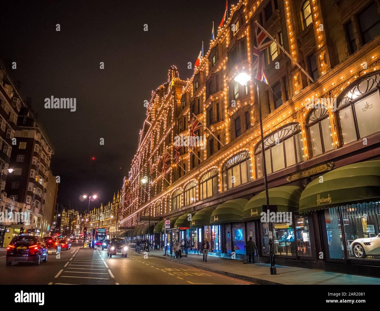 Londres, ROYAUME-UNI - 09 octobre 2017 : Londres, Royaume-Uni - 9 OCTOBRE 2017 : le célèbre grand magasin Harrods de Knightsbridge à Londres, Royaume-Uni. Harrods est TH Banque D'Images
