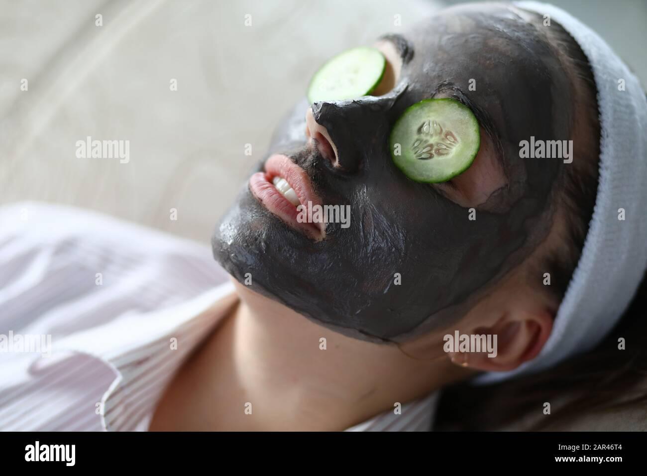 Procédure pour hydrater la peau Banque D'Images