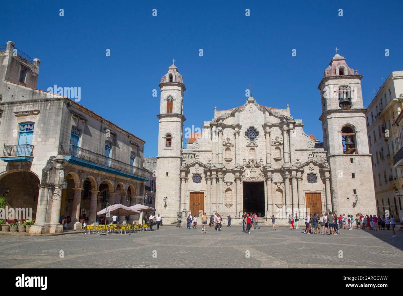 Cathédrale De San Cristobal, Plaza De La Cathédrale, Vieille Ville, Site Classé Au Patrimoine Mondial De L'Unesco, La Havane, Cuba, Antilles, Caraïbes, Amérique Centrale Banque D'Images