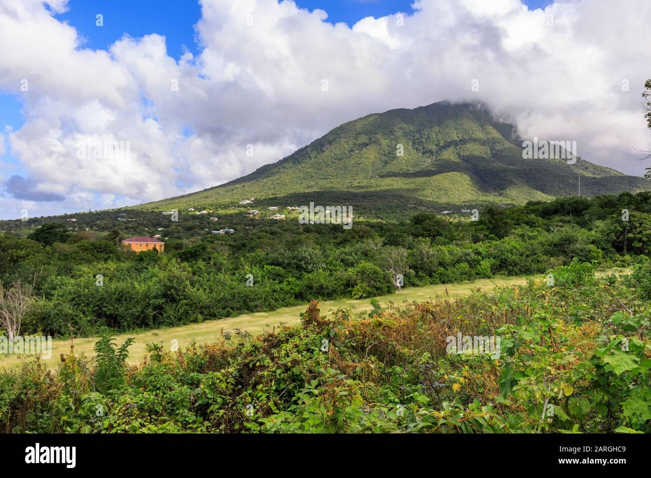 Nevis Peak, Mont Nevis, Volcan, Nevis, Saint-Kitts-Et-Nevis, Antilles, Caraïbes, Amérique Centrale Banque D'Images