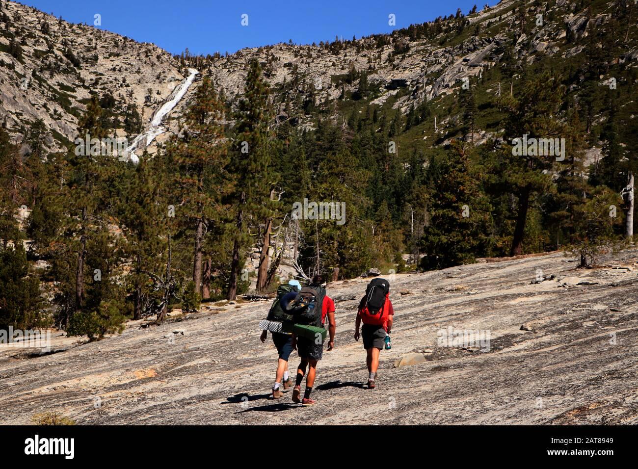 Pyramid Peak Trail Vallée Glaciaire Eldorado National Forest Californie Banque D'Images