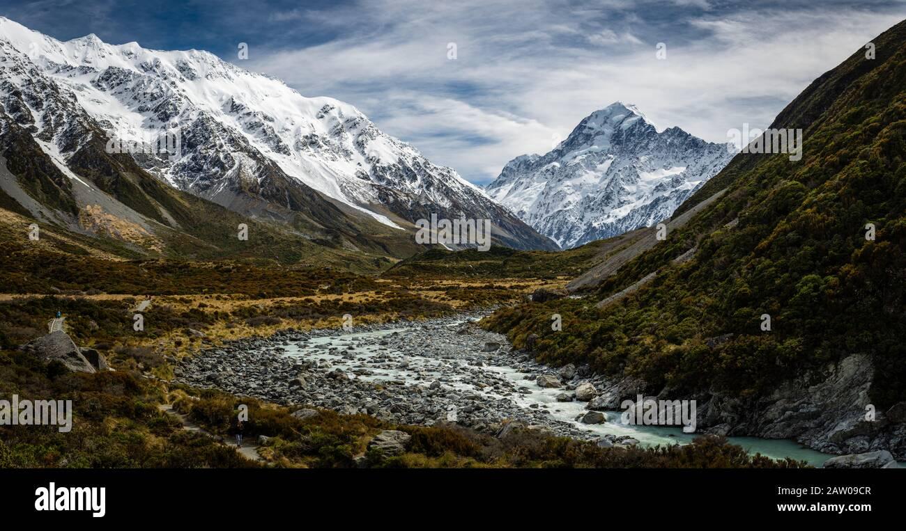 Vue le long de la vallée de Hooker, sur le sentier qui mène à Aoraki, Mont Cook en Nouvelle-Zélande. Banque D'Images