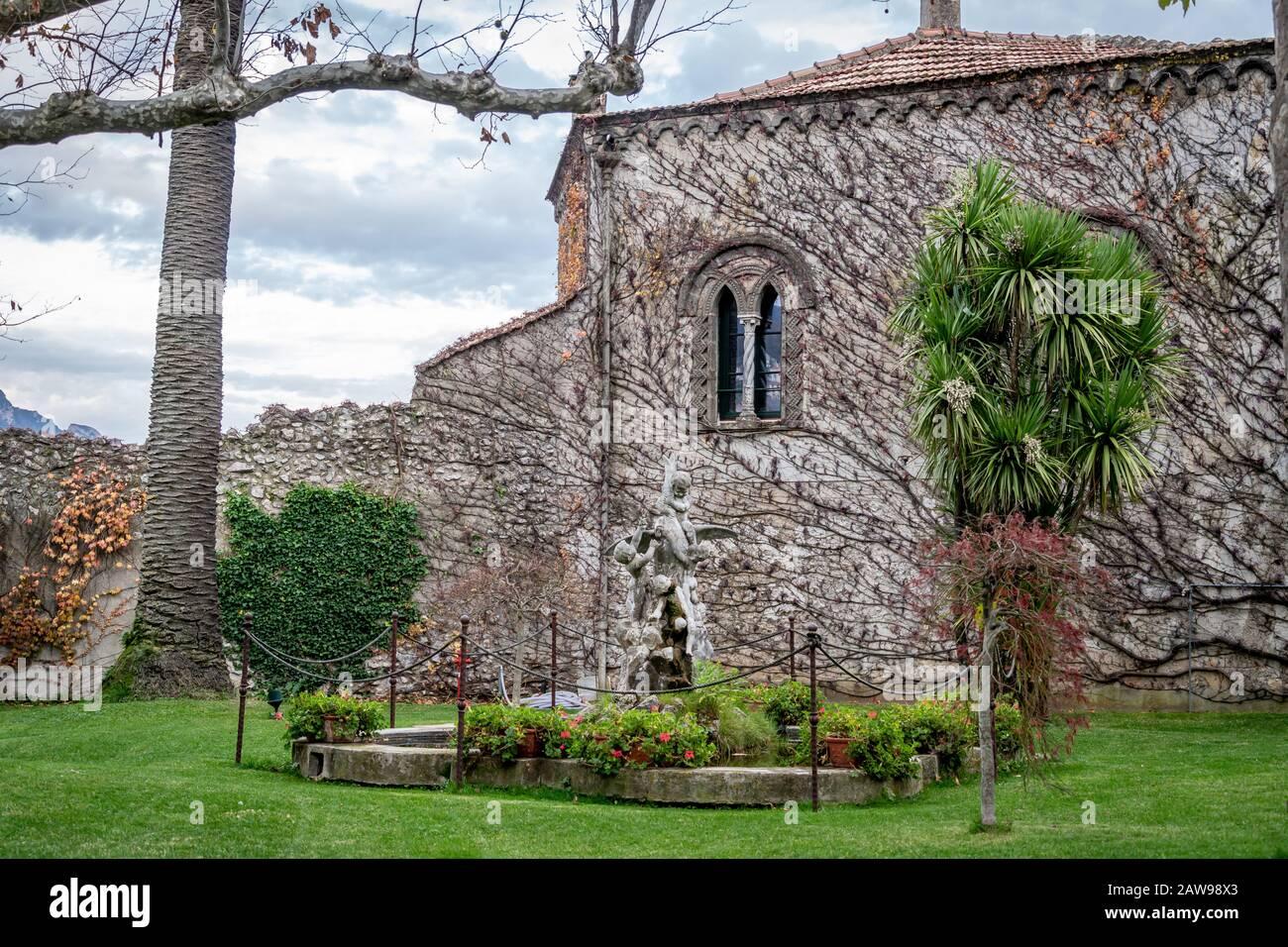 A l'intérieur de Vila Cimbrone, Villa Cimbrone sont considérés parmi les exemples les plus importants du paysage anglais et de la culture botanique dans le sud de l'Europe. Banque D'Images