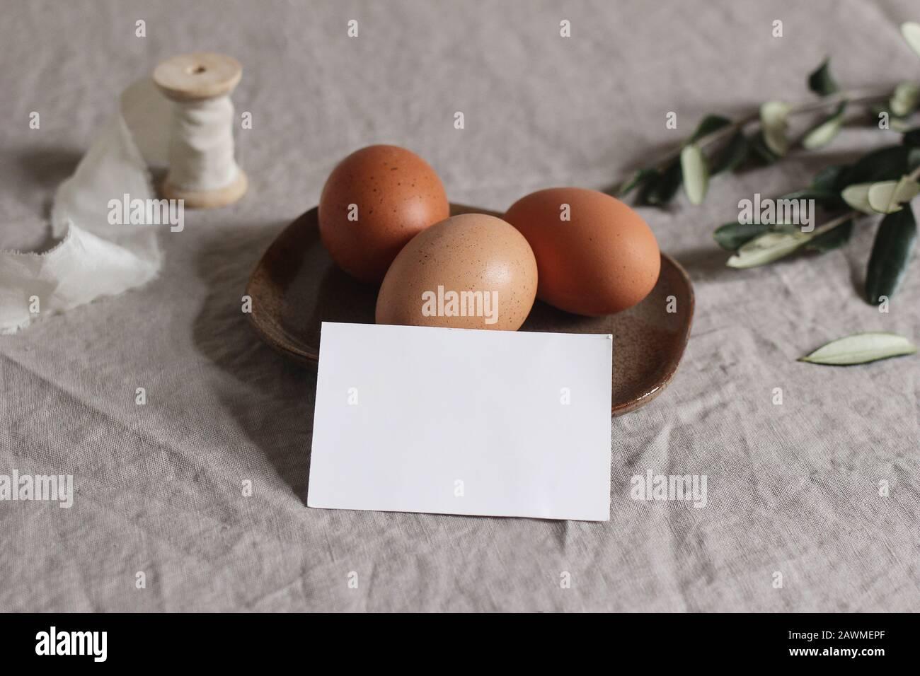 Personnalisé Nom Poulet Ovale Oeufs petit déjeuner Planche à Petit-déjeuner Pâques Cadeau