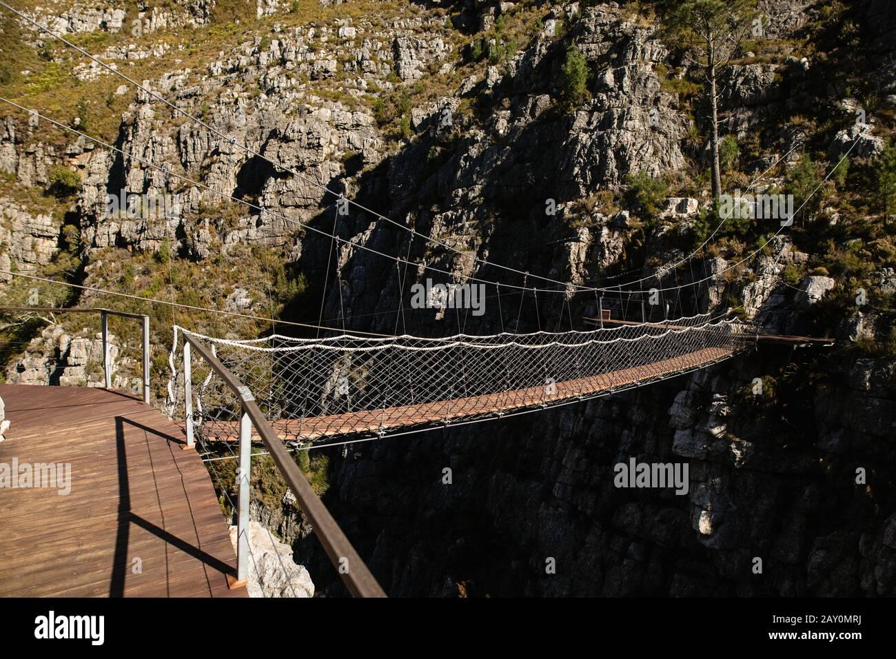 Dans les montagnes du pont Banque D'Images