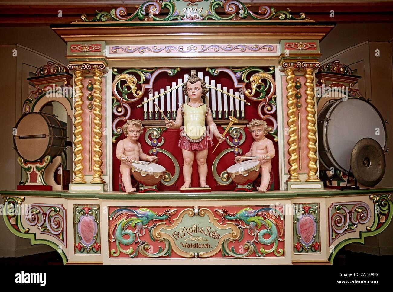 Munich, ALLEMAGNE - 1 OCTOBRE 2019 Ruth & Sohn Waldkirch orgue mécanique vintage exposé à l'Oide Wiesn partie historique de l'Oktoberfest à Munich Banque D'Images