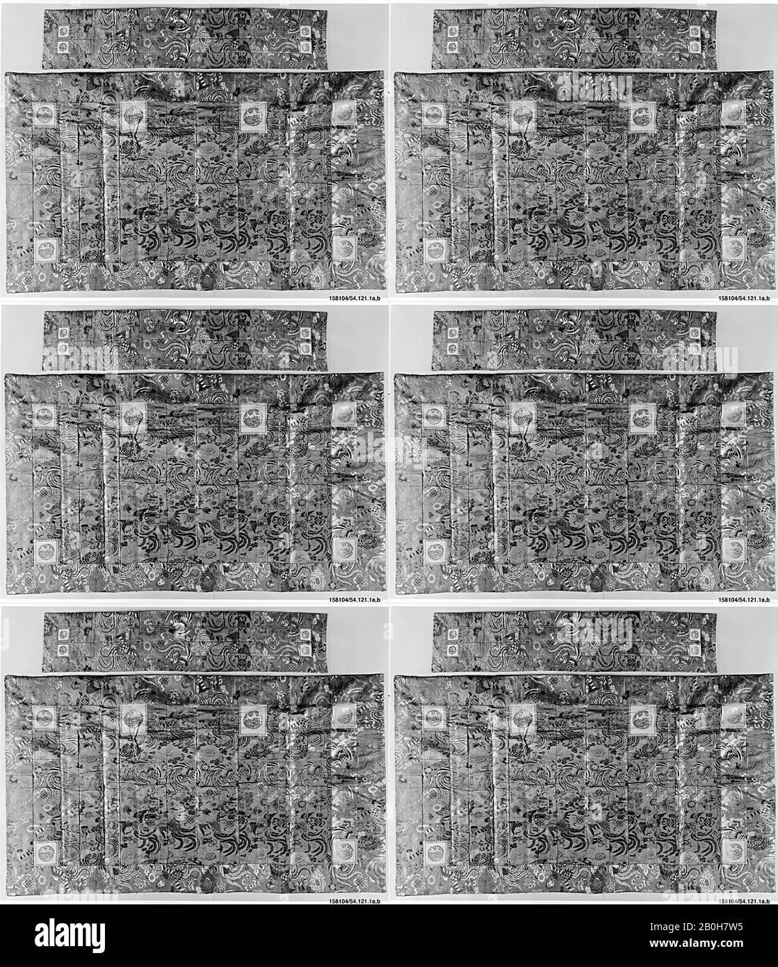 Robe et Stole du prêtre, Japon, XIXe siècle, Japon, soie, fil métallique, Total (A): 44 3/4 x 79 1/2 in. (113,7 x 201,9 cm), Hors Tout (b) : 58 1/2 x 12 1/4 po. (148,6 x 31,1 cm), textiles-costumes Banque D'Images