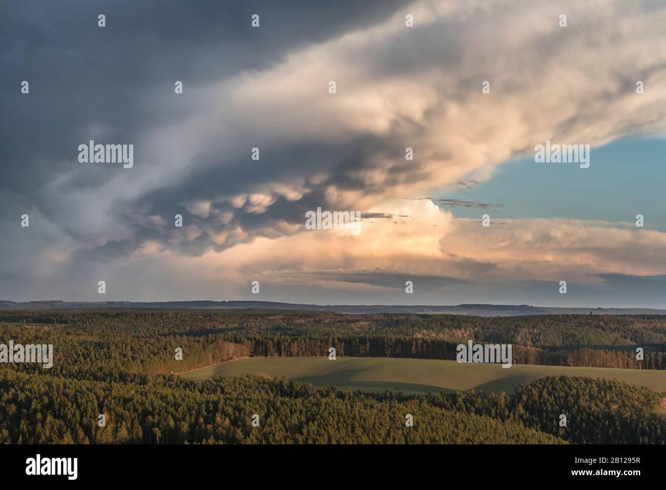 Leuchtenburg,Thunderstorm,Mammatus clouds,Sunset,Thuringe,Allemagne Banque D'Images