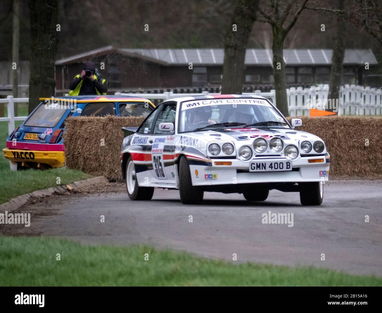 Opel Manta sur la scène du rallye au Race Retro Motorsport Show Stoneleigh Park Warwickshire Royaume-Uni. Banque D'Images