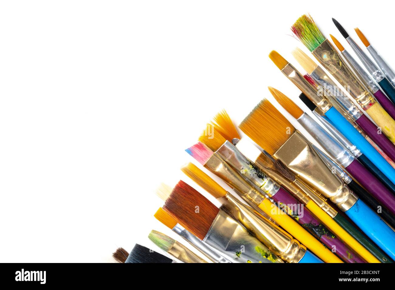 Une collection d'artistes peignent des pinceaux sur un fond blanc Banque D'Images