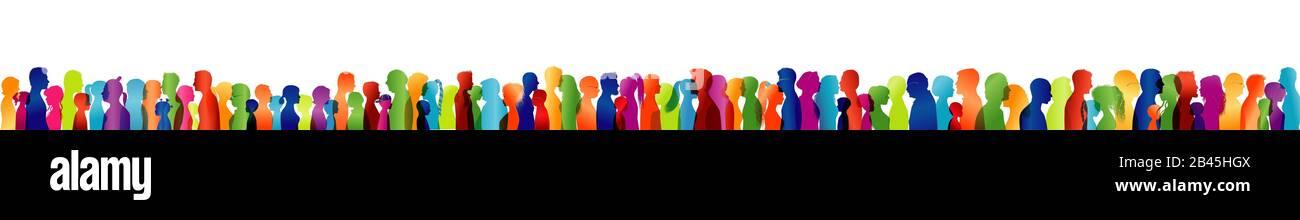 Grand groupe ou équipe de personnes silhouette de couleur profil de différents âges. Concept d'amitié. Communauté. Les gens parlent. Face. Tête. Population Banque D'Images