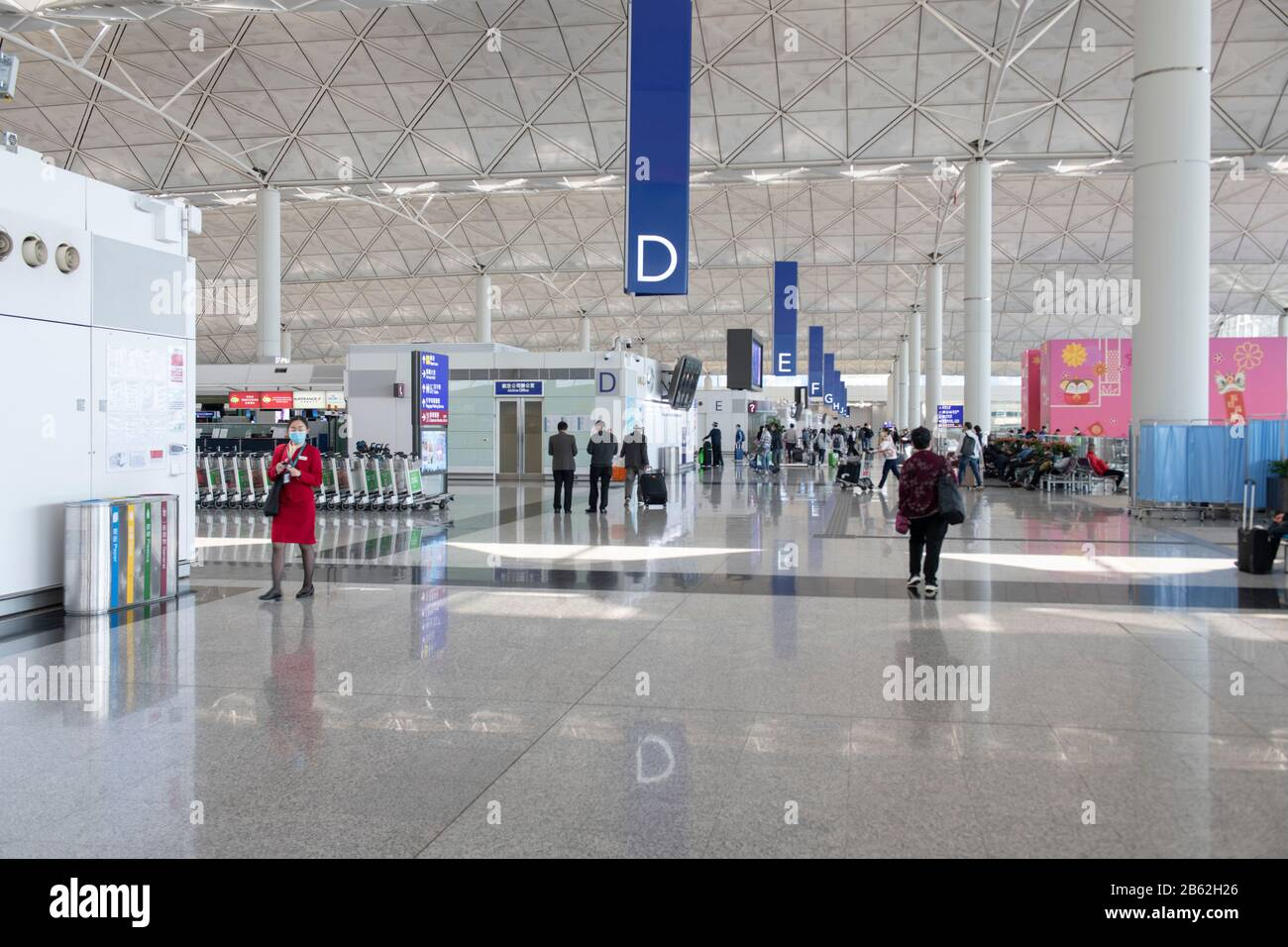 Hong Kong, Chine : 06 Mars 2020. L'aéroport international de Hong Kong est vide car Cover-19 prend son péage sur l'industrie du voyage Jayne Russell/Alay stock image Banque D'Images