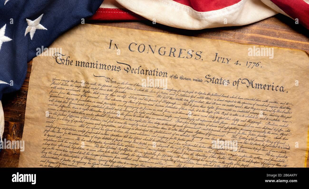 Déclaration d'indépendance des États-Unis avec un drapeau américain vintage Banque D'Images