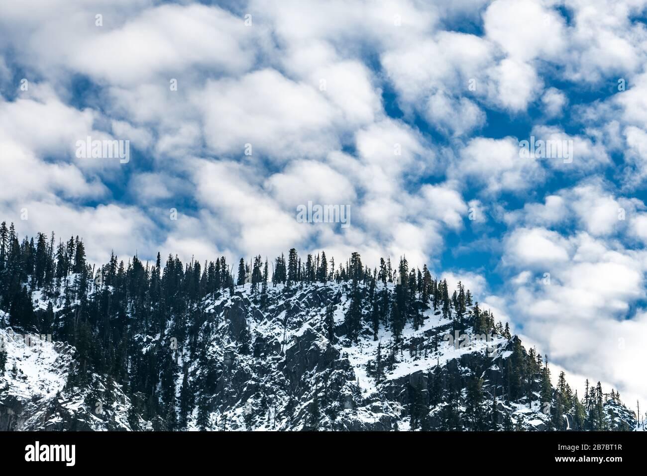 Yosemite National Park Valley avec neige, d'ici la fin de l'automne et le début de la saison d'hiver, décembre 2019, Californie, États-Unis d'Amérique. Banque D'Images
