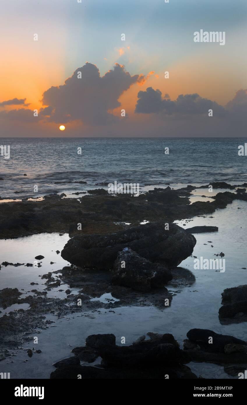 Coucher de soleil sur Bonaire, Caraïbes Banque D'Images