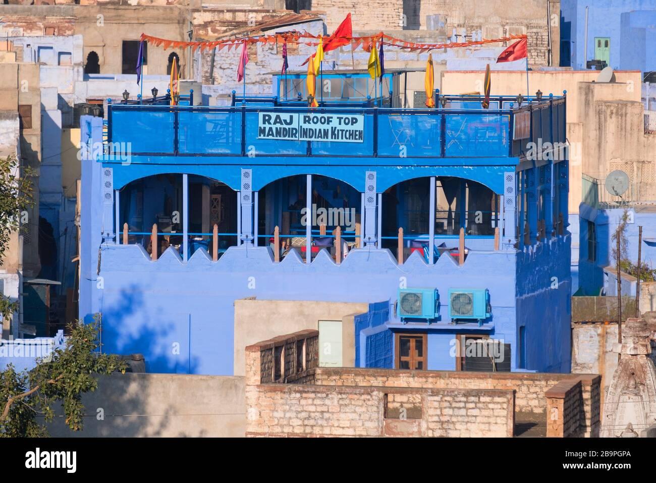 Raj Mandir toit cuisine indienne Blue City Jodhpur Rajasthan Inde Banque D'Images