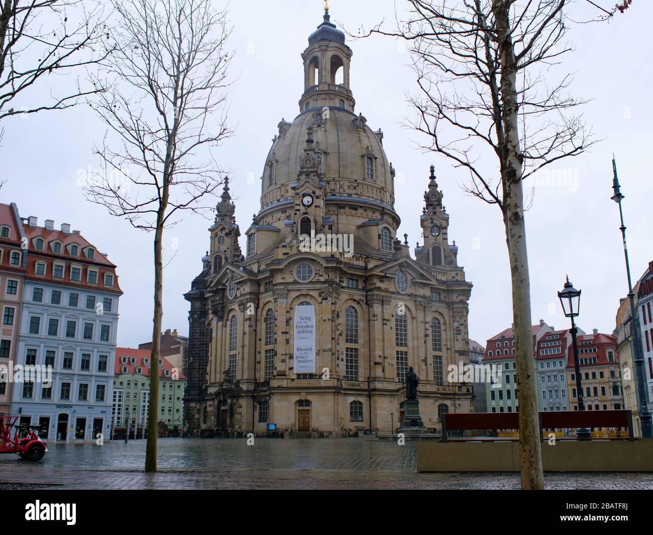Dresden Frauenkirche während coronavirus Leerer Neumarkt Tourismus Corona Lockdown virus Ausgangssperre Kontaktsperre Banque D'Images