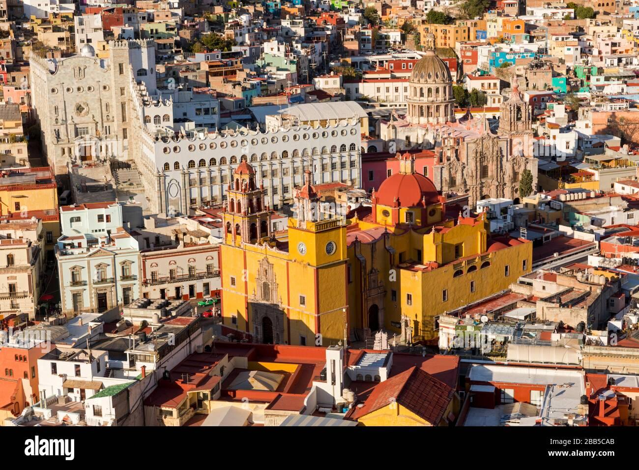 Mexique, les gratte-ciel de Guanajuato sont vus de Monumento a El Pïpila. Guanajuato, site du patrimoine mondial de l'UNESCO Banque D'Images