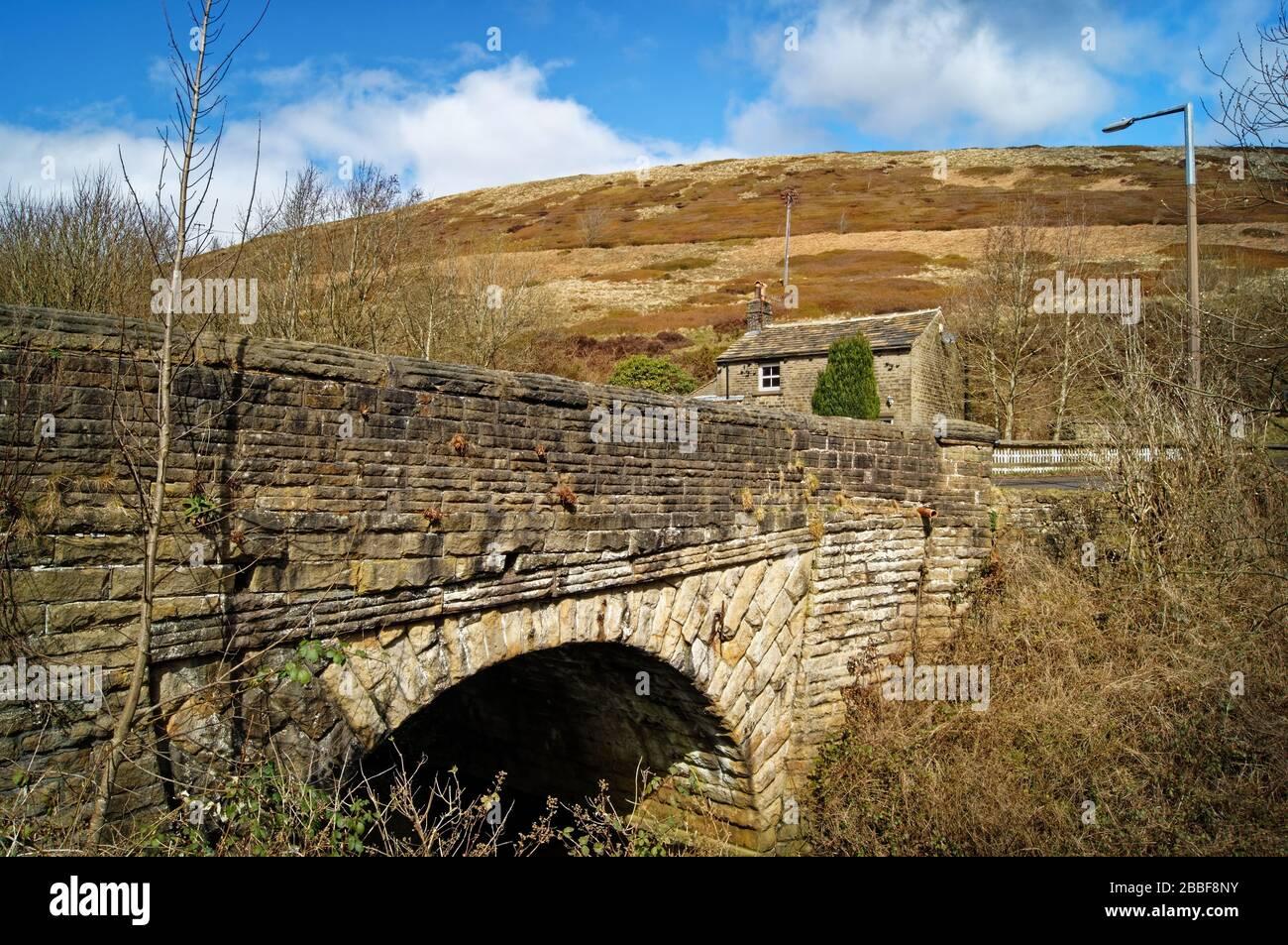Royaume-Uni, Yorkshire du Sud, Dunford Bridge et Cottage Banque D'Images