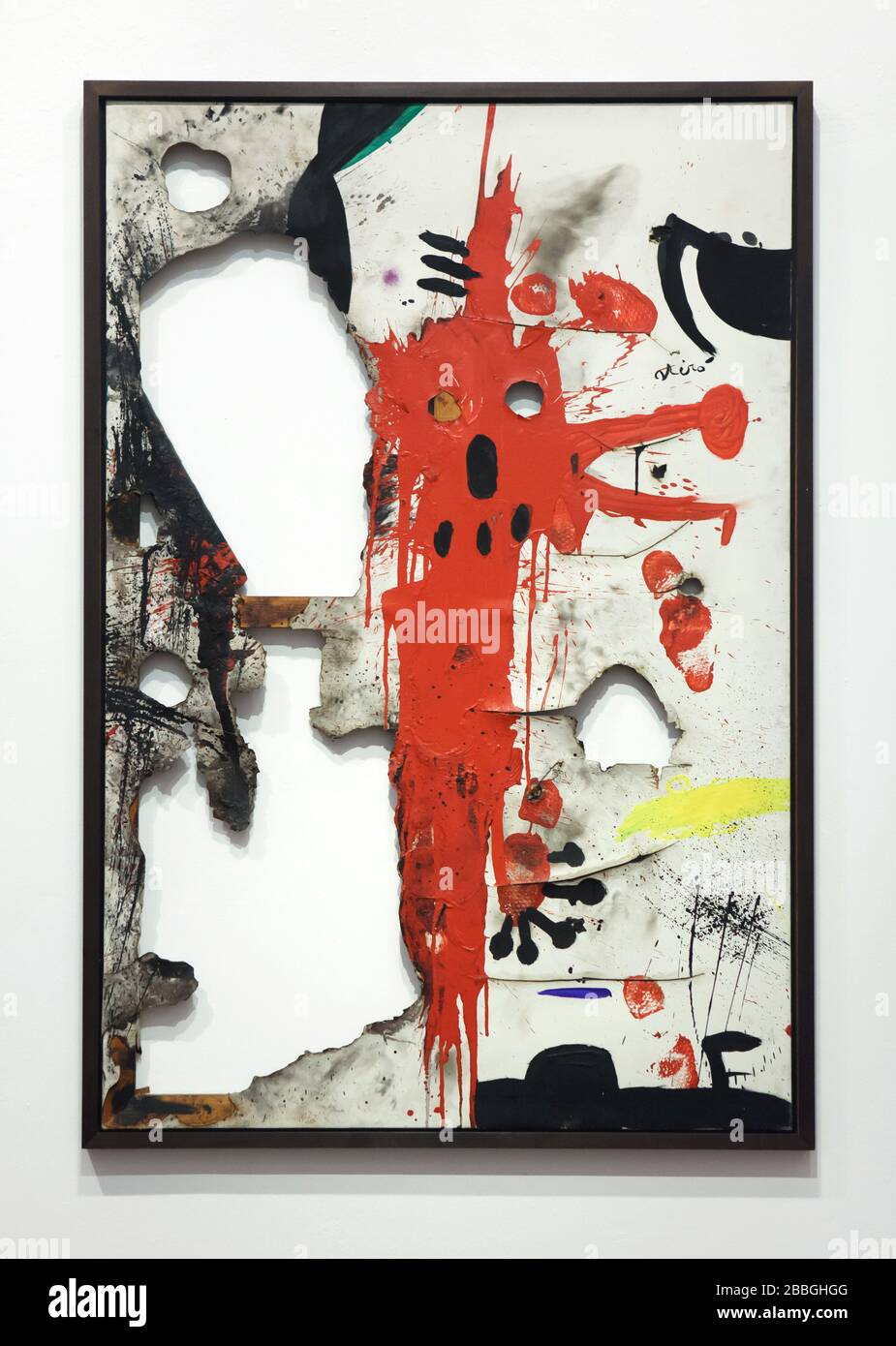 """Peinture du peintre moderniste espagnol Joan Miró intitulée """"toile brûlée 5"""" (1973) exposée dans la Fundació Joan Miró (Fondation Joan Miró) à Barcelone, Catalogne, Espagne. Banque D'Images"""