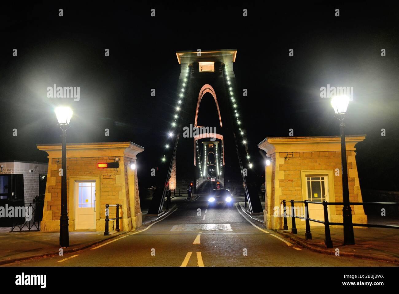 Prise de vue nocturne du pont suspendu de clifton enjambant la rivière Avon gorge Banque D'Images