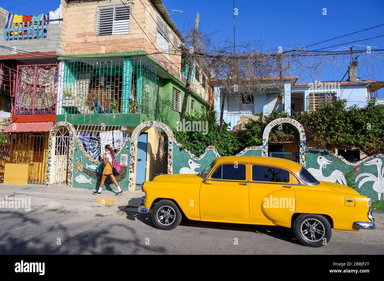 Fusterlandia, installations d'art public de l'artiste local José Fuster, avec mosaïques colorées et fantaisistes, Playa de Jaimanitas, la Havane, Cuba Banque D'Images