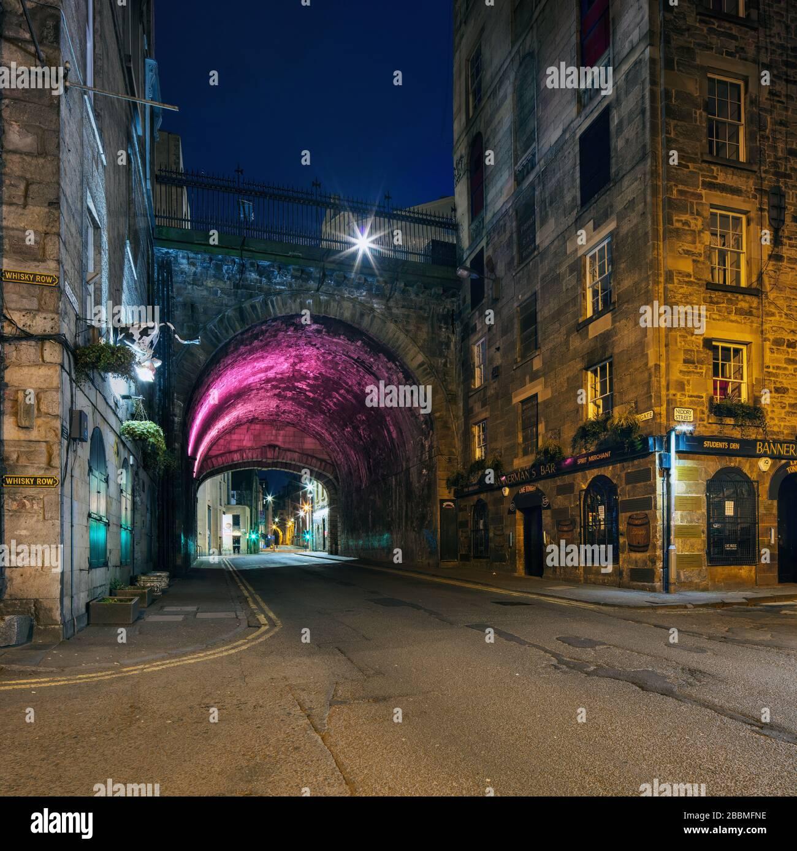 Scène dans la capitale écossaise d'Edimbourg - rues vides pendant l'épidémie de Covid-19. Banque D'Images