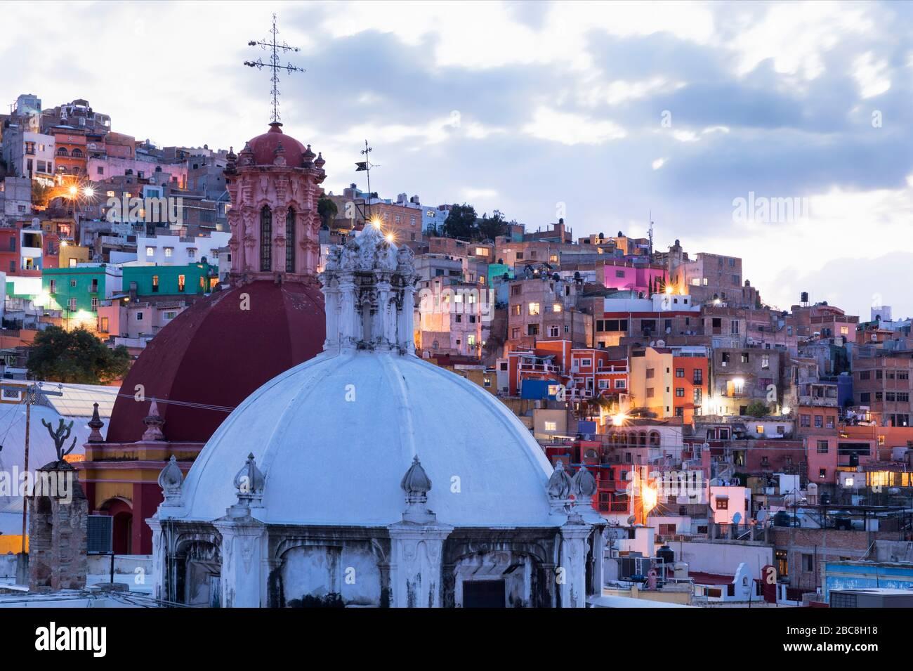 Mexique, État de Guanajuato, Guanajuato, vue sur la ville colorée Banque D'Images